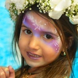 איפור בלאלילנד -עמדת טיפוח היופי הכוללת: ציורי פנים ומריחת לק (יש גם שקוף לביה״ס)