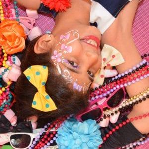 יום הולדת דוגמניות - לאלילנד - סשן צילומים מקצועי למלכת היומולדת ותמונה משפחתית