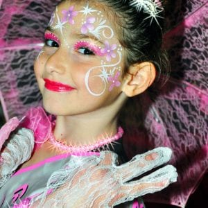 יום הולדת מלכות יופי - לאלילנד - סשן צילומים מקצועי למלכת היומולדת ותמונה משפחתית