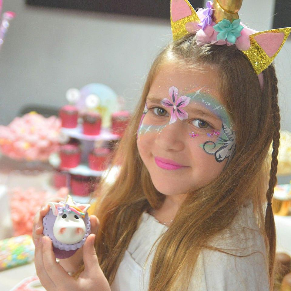 יום הולדת עיצוב בצק סוכר לאלילנד איפור