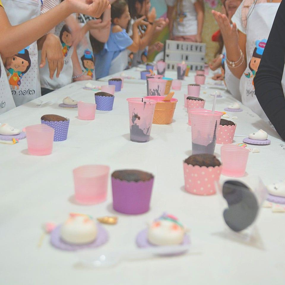 יום הולדת עיצוב בבצק סוכר לאלילנד סשן צילומים