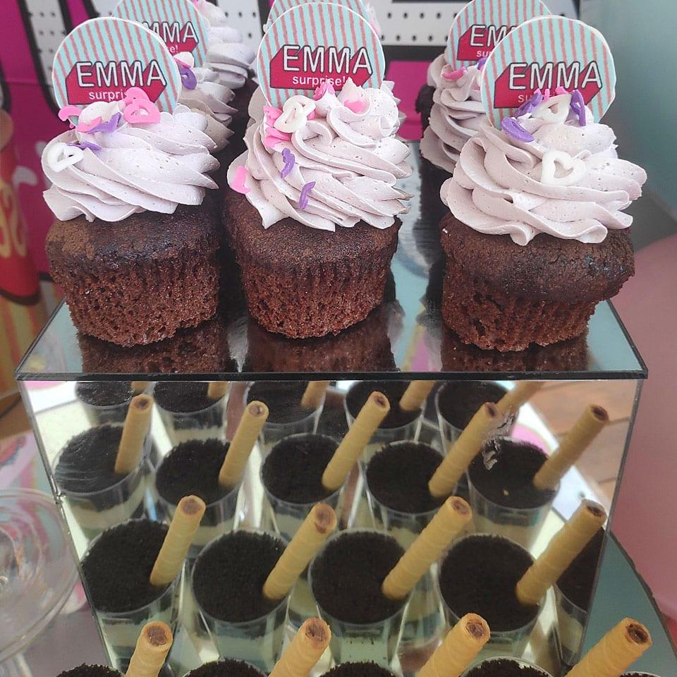 עוגות שוקולד קטנות שולחנות מתוקים לול LOL לאלילנד