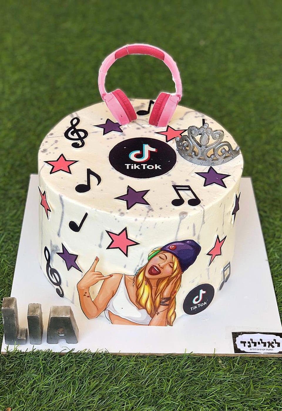 עוגת יום הולדת טיק טוק ליה