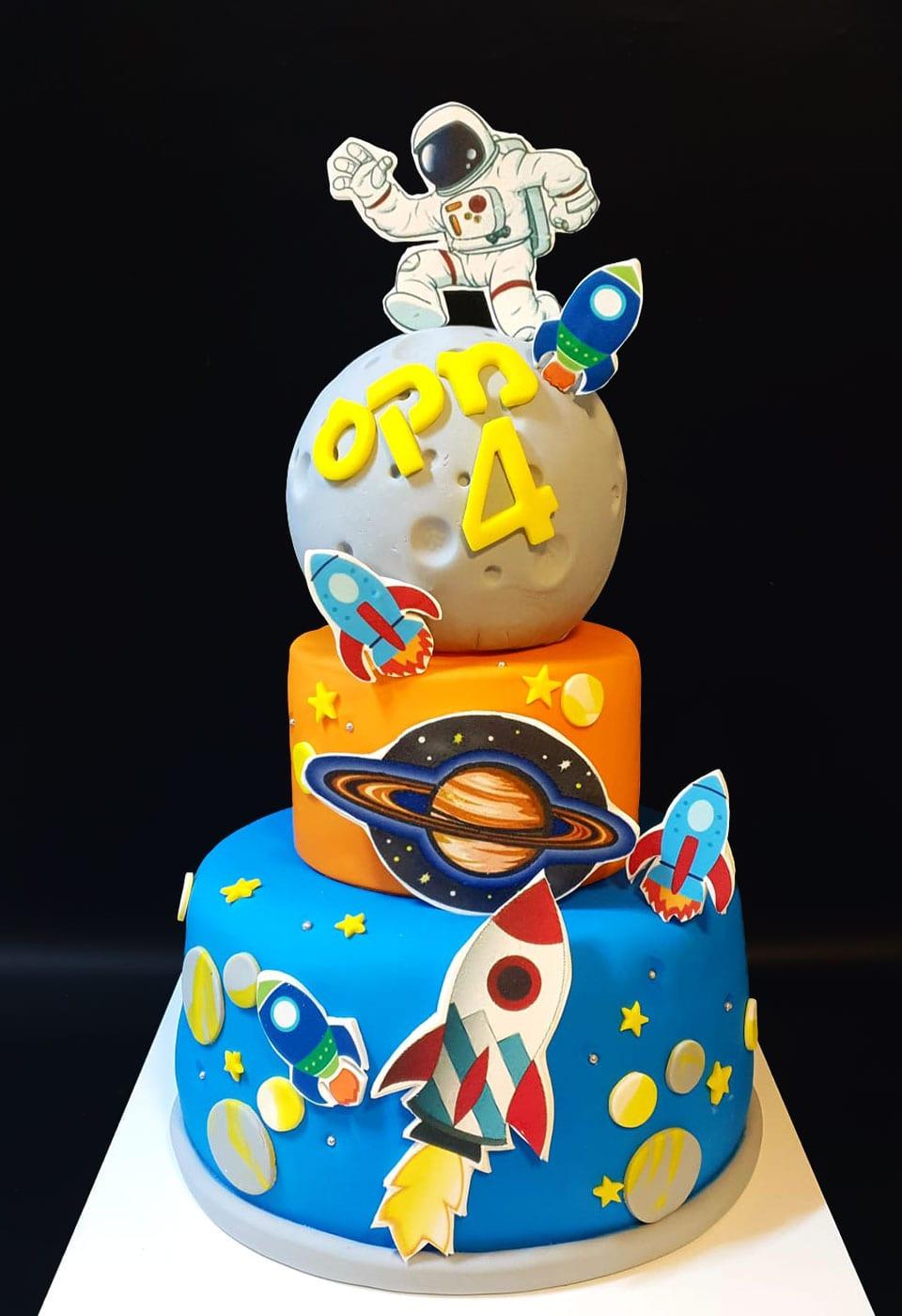 עוגת יום הולדת אסטרונאוט טייס חלל